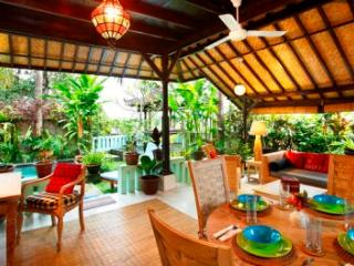 Hyacinth House with Private Pool in the Ricefields of Ubud, Woodston