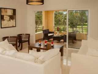 Luxury 3 bedrooms golf condo at Gary Player course, Juan Dolio