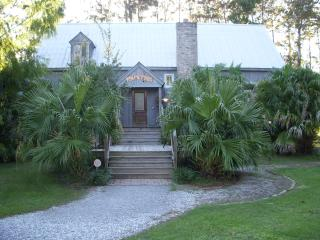 Luxury Boathouse overlooking Lake Ponchatrain - Slidell vacation rentals