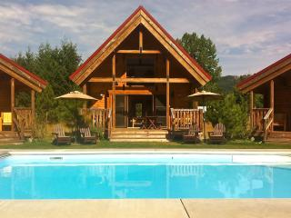 Icicle Camp, Pool, Hot Tub, Wi-Fi, Serene Views, Leavenworth