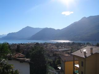 Lake Como-Dervio cozy flat with nice view + bikes