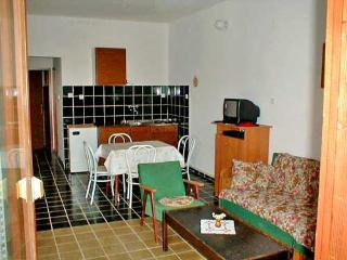 APARTMENTS AND ROOMS ZDENKO - 60081-A2 - Njivice vacation rentals