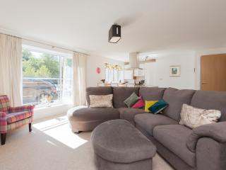 Corstorphine Apartment 2 - Edinburgh vacation rentals