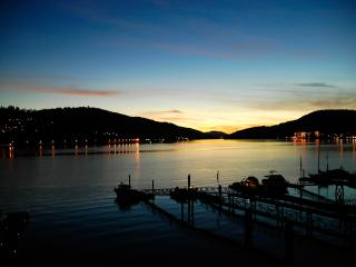 Beach House -2 BDRM Oceanfront with Private Dock, Port Moody