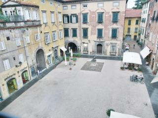 Bright apartment in Tuscany - Lucca centre