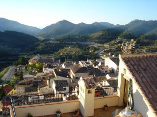 Room with spectacular views  in great walking area near the Costa Blanca beaches, Sella