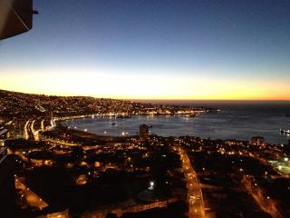 Great apartment with magnificent bay view (180°), Valparaiso