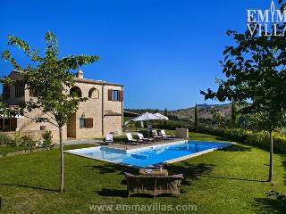 Casale Rosy 6+2 - Cetona vacation rentals