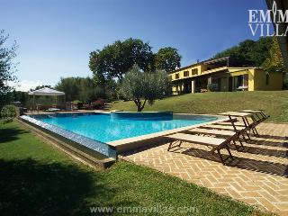 Le Dodici Querce 6+3 - Cetona vacation rentals