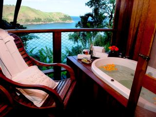 Bare foot Luxury Apartment and stunning ocean view, Maresias