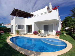 VILLA 4 Bedroom BEAUTIFUL OCEAN VIEW Playacar Ph1, Playa del Carmen