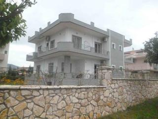Rooms for Rent Villas Reservations Code: D0007 - Sarande vacation rentals
