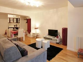 Porte du Temple:Comfortable one bedroom in Marais, Paris