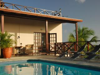 Curavilla | Luxurious double apartment with pool, #4, Willemstad