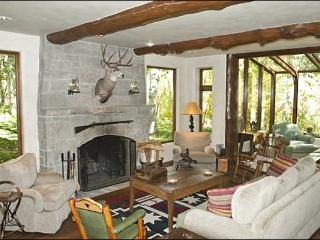 Spacious & Rustic Mountain Retreat - High End Finishes Throughout (1241), Ketchum