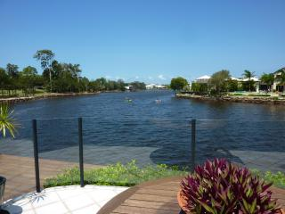 Great Waterfront Holiday Home -Nautilus Place Twin Waters, Sunshine Coast