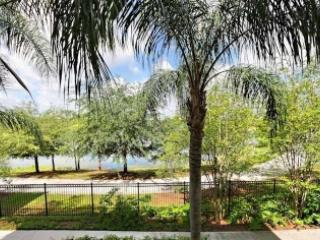 Vista Cay condo - Lakeside Oasis- sleeps 10 guests, Orlando