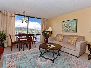 Waikiki Sunset #2805 - One-bedroom with AC and beautiful Ko'olau Mountain views! Sleeps 4! - Waikiki vacation rentals
