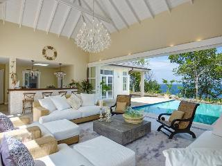 5 bedrooms, 5 bathroom, 2 pools, ridge top villa, path to beach, sunset and sunrise views, 360 views of the Grenadines. (v), Bequia