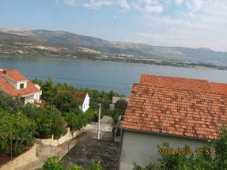 2430 A2(4) - Mastrinka - Arbanija vacation rentals