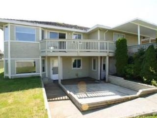 Furnished - Large, Bright 2bedroom plus flex suite, Surrey