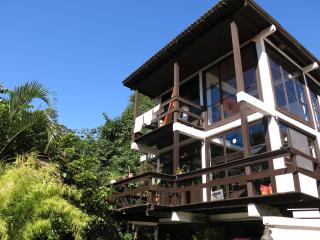Charming gay-friendly home with jungle views, Florianópolis