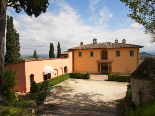 Apartment Rental in Tuscany, San Gimignano - Il Cortile del Borgo 11 - Paris vacation rentals