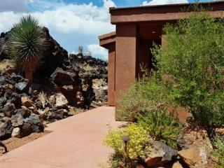 Immaculate, Beautiful Entrada Home Gated Community, Saint George