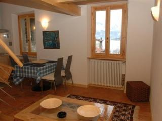 Holiday rental Porlezza - Second floor (sleeps 6)