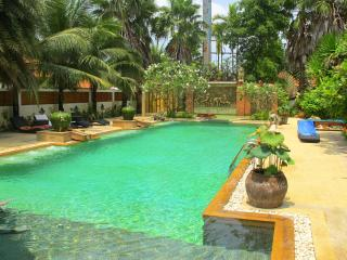 Amazing villa 3 bdrm shared pool Kamala Nathong 1