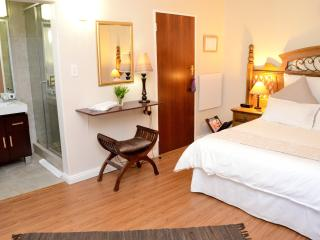 Three Star Guest House  'Home Away From Home' Culture Experience!, Stellenbosch