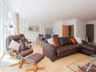 Shandwick Place Apartment 2 - Edinburgh vacation rentals