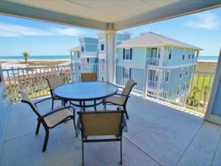 Amazing beachside condo that provides excellent views of beach and bay!, Galveston