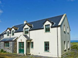 SURF AND BURREN VIEW, sea views, open fire, family-friendly in Fanore, Ref 25987 - The Burren vacation rentals