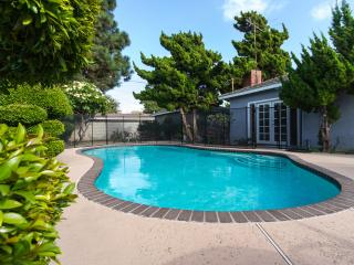 Disneyland Pool Home! Best Rates! Newly Remodeled!, Anaheim