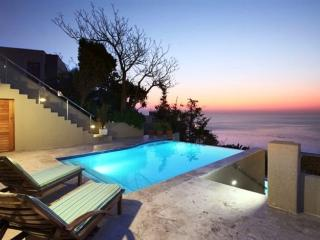Altanta Penthouse 2B, Camps Bay