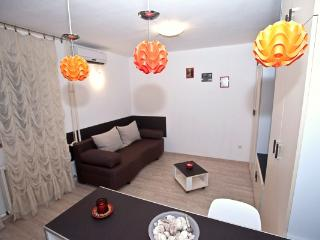 CR113bel - Duplex Apartment, Belgrade