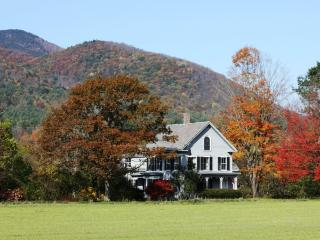 Restored 1855 Farmhouse on Conn. River, Claremont