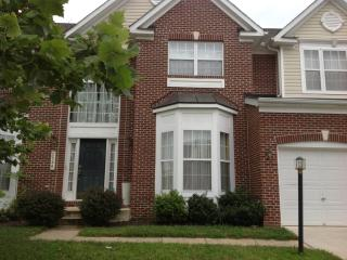 Upscale House/12 MINUTES FROM DC, Bowie