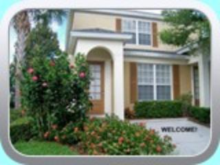 3BR 3BA WINDSOR HILLS POOL TOWNHOME 2 mi to DISNEY, Kissimmee