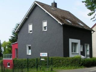 Vacation Apartment in Bochum - 517 sqft, beautiful, central, comfortable (# 4255)