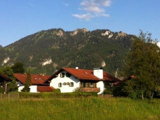 Vacation Apartment in Oberammergau - 280 sqft, Central, quiet location, bright, cozy furnished (# 4259)