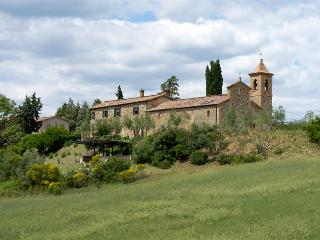 Holiday in the middle of the nature and the silence of Southern Tuscany. - Civitella Paganico vacation rentals