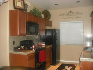 Beautiful fully furnished 2B/2B bottom level, Fountain View Condo, Fountain Hills