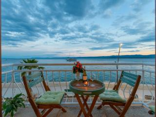 TOP LOCATION! BEACH & CENTER apartment in BOL, Bol