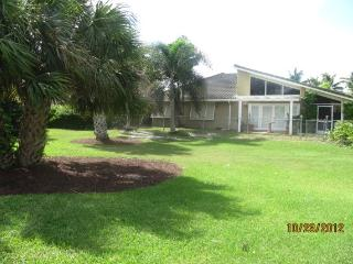 STILL AVAILABLE FOR FALL! Pvt. Vacation Pool Home, Fort Lauderdale