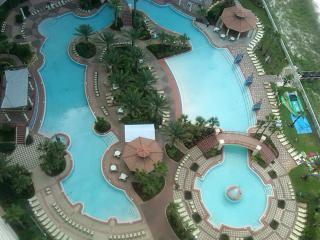 2 Bedroom Tropical Penthouse with Pool, Panama City Beach