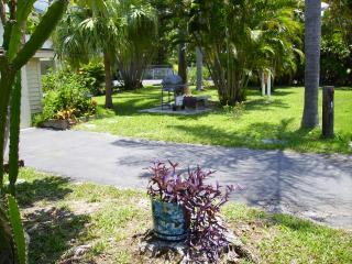 Las Brisas, Cottage on bay side of Island., Bradenton Beach