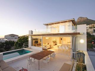 Casa Bianca - luxury villa by the beach, Cape Town Central