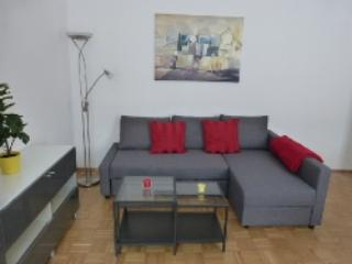 Vacation Apartment in Erlangen - 592 sqft, modern, central, cozy (# 4321)